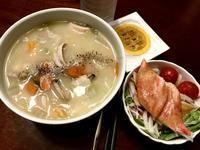 今日も反省は続く★肉野菜スープとサラダだっ! - よく飲むオバチャン☆本日のメニュー