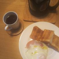 寒い朝なので、ハムエッグ - Hanakenhana's Blog