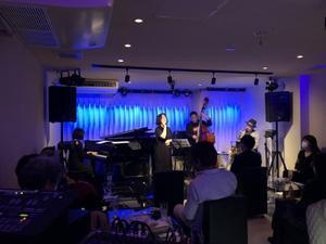 Jazzlive Comin ジャズライブカミン広島本日11月26日(木)の演目と12月のスケジュール -