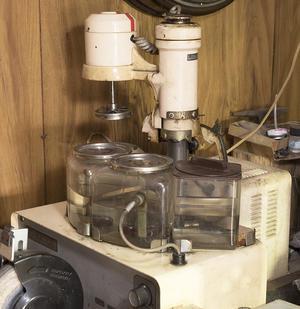 時計修理機器 - 時計修理の佐藤時計店