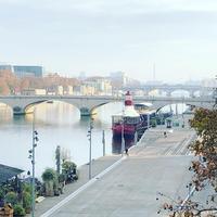 パリ13区散歩フランソワミッテラン図書館、セーヌ川、シモンヌ・ド・ボーボワール橋 - keiko's paris journal                                                        <パリ通信 - KSL>