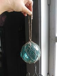 ガラスの浮き玉。 - 古道具ときどき猫。