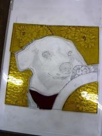 絵付け工程犬のパネル - atelier GLADYS  ステンドグラス工房 作り手の日々