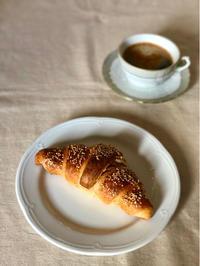 久しぶりのコルネットは小さな幸せ - 幸せなシチリアの食卓、時々にゃんこ