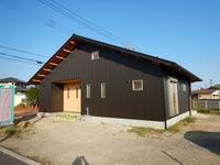 薪ストーブとロフトと桧デッキな平屋完成! - ㈱栃毛木材工業