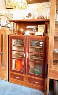 セールの家具その① - CELESTE アクセサリーと古道具