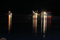 夜明けの漁 - ハチミツの海を渡る風の音