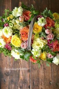 バラ2種「カタリナ」と「ケンジントンガーデン」を使ったフラワーアレンジメント。 - 花色~あなたの好きなお花屋さんになりたい~