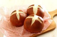 もちもちパン用粉でラウゲンロール - Takacoco Kitchen