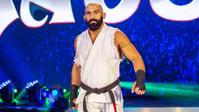 オーチュロ・ルアスが手術を受けたことを明らかにする - WWE Live Headlines