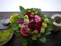 大お祖母様の100歳のお祝いにアレンジメント。2020/12/06。 - 札幌 花屋 meLL flowers