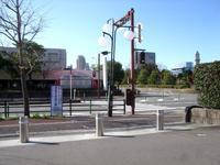 PayPayドーム西側からシーホーク南歩道工事考! - 車いすで街へ 踏み出そう車輪の一歩 改善活動