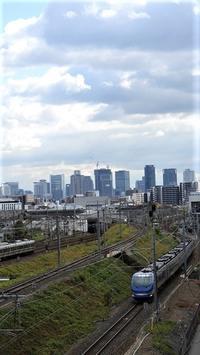 藤田八束の鉄道写真、東海道本線を走るリゾート列車スーパーはくと、貨物列車桃太郎・・・加島にて最高です。 - 藤田八束の日記
