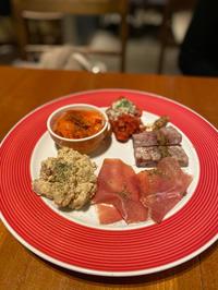 地中海料理とワインブッフェが楽しいお店でプチ忘年会「魚介とワインと時々お肉YOKOHAMA Mar Mare新横浜」 - あれも食べたい、これも食べたい!EX