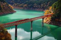 秋の奥大井湖上駅 - 風の香に誘われて 風景のふぉと缶