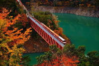 奥大井湖上駅秋 - 風の香に誘われて 風景のふぉと缶