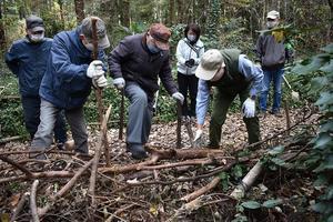 12/19(土) 今年最後の「つるま自然の森」の手入れを実施 - つるま自然の森のブログ