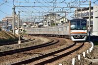 東京メトロ10000系 所沢陸橋下にて - 東京鉄道写真局