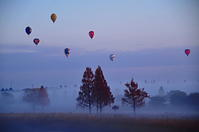 気球 - 風の香に誘われて 風景のふぉと缶