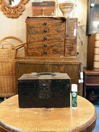 小さな木箱 - CELESTE アクセサリーと古道具