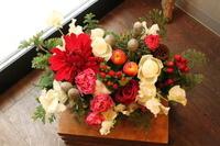 クリスマスアレンジとしめ縄飾り - 北赤羽花屋ソレイユの日々の花