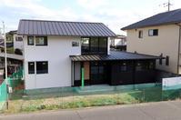外部足場がとれました/土手下の住宅/倉敷 - 建築事務所は日々考える