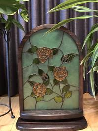 薔薇のパネル - Glass in