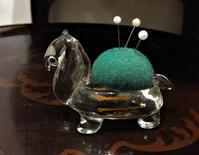 吹きガラスのラクダの針刺し - スペイン・バルセロナ・アンティーク gyu's shop