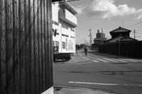鉄路の痕跡カーブと貨車 - YAJIS OFFICE BLOG
