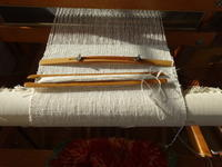手紡ぎ糸で織っています - ゆうゆう覚書