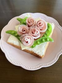 おうちdeカフェ気分☆薔薇トースト - パンのちケーキ時々わんこ