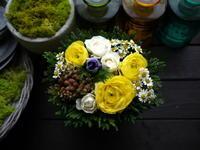 送別のアレンジメント。「黄色系」。大谷地東にお届け。2021/01/08。 - 札幌 花屋 meLL flowers