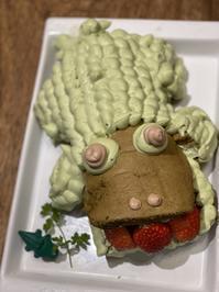 ワニワニのバースデーケーキ - ガルルさんのCOSTCOガルル食堂