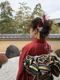 成人の日髪飾り - 北赤羽花屋ソレイユの日々の花