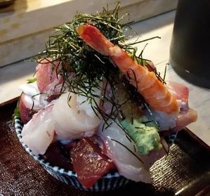 江戸富士の海鮮丼 - でろん子の転勤妻日記