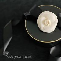 『カメリアコサージュ』🌺💕 - 埼玉カルトナージュ教室 ~ La fraise blanche ~ ラ・フレーズ・ブロンシュ