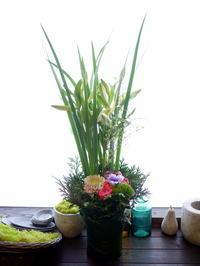 お悔やみのアレンジメント。「色入れて、明るく」。澄川6条にお届け。2021/01/12。 - 札幌 花屋 meLL flowers