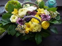 お引越しのお祝いにアレンジメント。「明るく晴れやかに」。南21条にお届け。2021/01/13。 - 札幌 花屋 meLL flowers