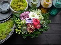 お悔やみのアレンジメント。「癒やされるように、綺麗な色で」。2021/01/15。 - 札幌 花屋 meLL flowers