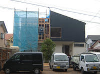 HOUSE-TKTは屋根・サッシ取付完了! - 島田博一建築設計室のWEEKLY  PHOTO / 栃木県 建築設計事務所