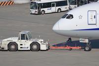 空港の「はたらくクルマ」 - Granpa ToshiのEOS的写真生活