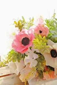 春!アネモネののコンポジションSP - お花に囲まれて