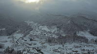 山寺門前町の雪の集落 - 風の香に誘われて 風景のふぉと缶