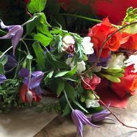パリの花屋さんで、予算15ユーロの花束を注文したらどうなるか?! - keiko's paris journal                                                        <パリ通信 - KSL>