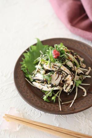 (レシピ)しっとり茹で鶏とひじきの梅サラダ - おうちカフェ*hoppe
