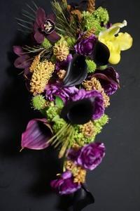 個性際立つ投げ入れ - お花に囲まれて