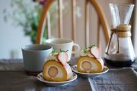いちごの米粉ロールケーキ - Smart chic