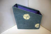 ダンボールクラフト~ 絞り染めのファイルケース ~ - 鎌倉のデイサービス「やと」のブログ