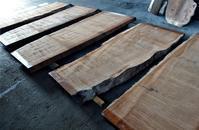 サペリ杢一枚板 - SOLiD「無垢材セレクトカタログ」/ 材木店・製材所 新発田屋(シバタヤ)