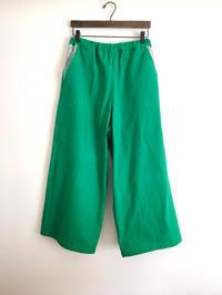 グリーンのワイドパンツ - cous cous NEW ARRIVAL